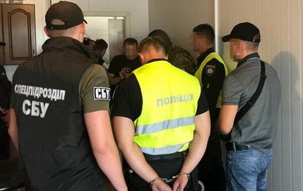 У Хмельницькій області за хабар затримали двох патрульних