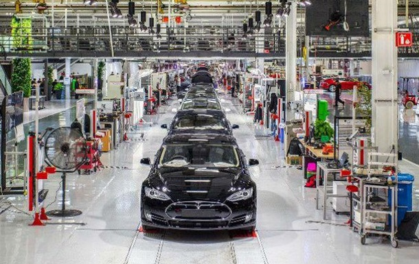 Маск показав, як облаштований завод Tesla