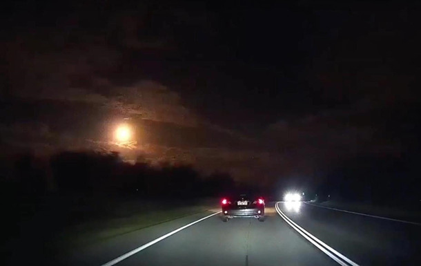 В Австралії зняли падіння метеорита