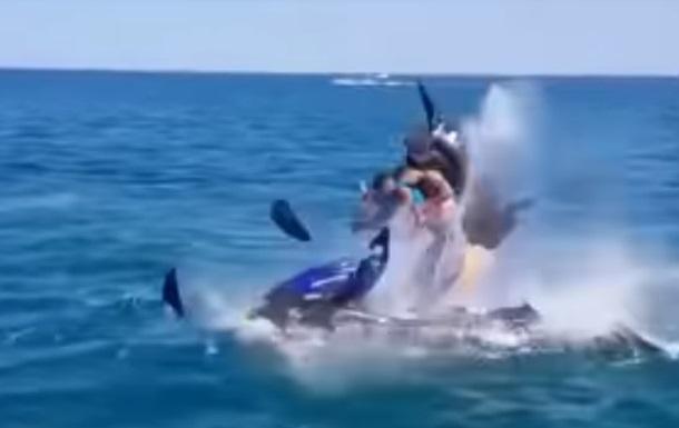 ВКраснодарском крае РФ взорвался гидроцикл слюдьми