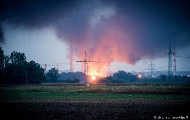 Вибух і пожежа на нафтопереробному заводі в Баварії: є постраждалі