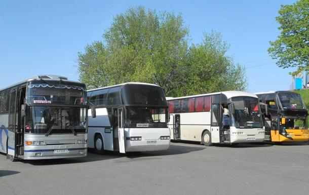 Омелян: Половина автобусних перевезень в Україні нелегальні