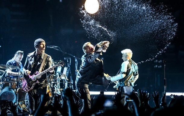 Соліст U2 втратив голос під час концерту