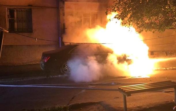 У Рівному підпалили авто депутата від Свободи