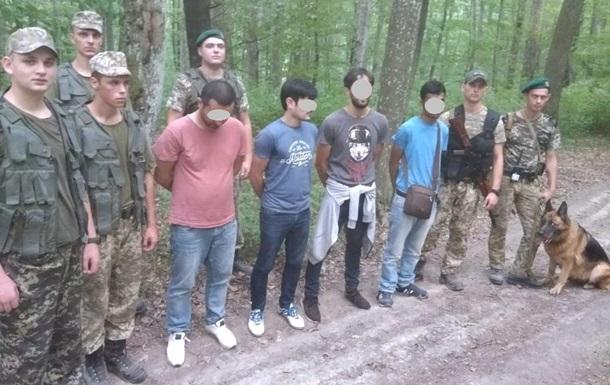 Під Ужгородом затримали нелегалів з Азербайджану і Бангладеш