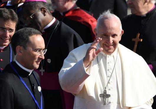 Визит Папы Римского в Ирландию и наступление в Сирии: чем запомнилась неделя