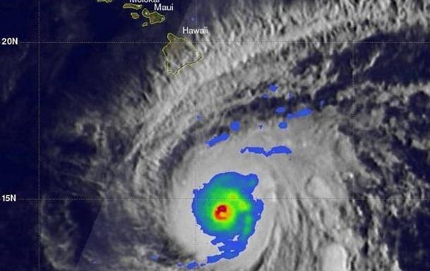 В Японії через тайфун скасували майже 600 авіарейсів