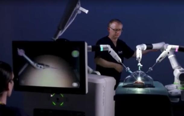В Британии показали робота-хирурга