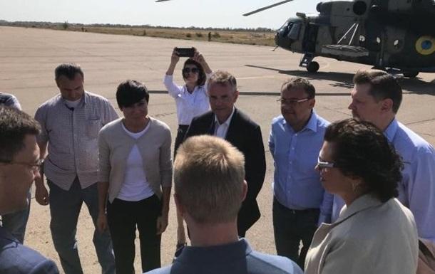 Глава МЗС Норвегії приїхала на Донбас