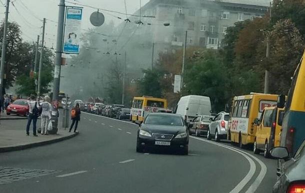 У центрі Києва утворився затор через пожежу