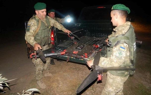На Буковині прикордонники зняли з дерева застряглий квадрокоптер