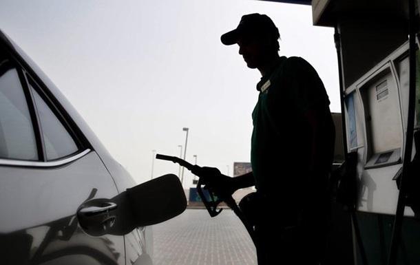 На українських АЗС подорожчали бензин і дизпаливо