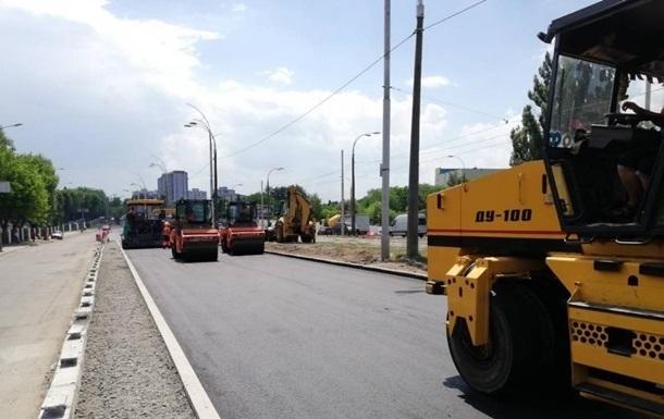 Кабмин утвердил перераспределение средств на ремонт дорог