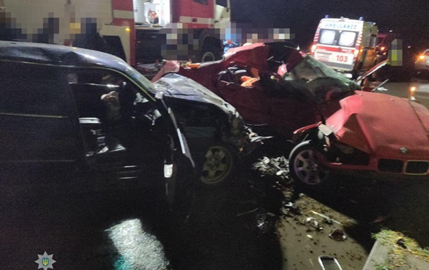 В Одессе три человека погибли в столкновении двух BMW