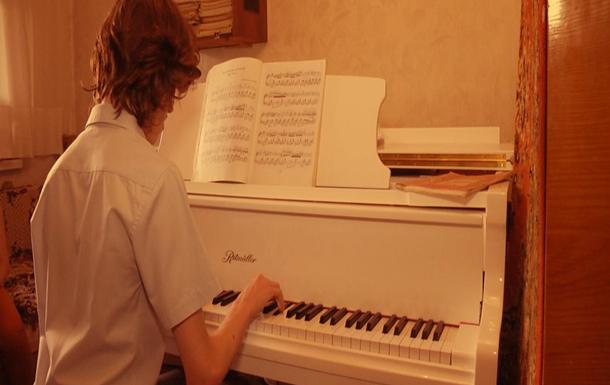 Харківському Шопену потрібна допомога, щоб виступити на конкурсі піаністів