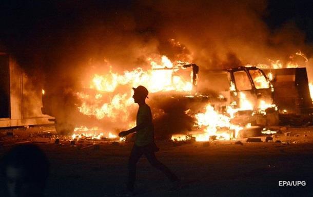 В Іраку підпалили консульство Ірану і мерію міста