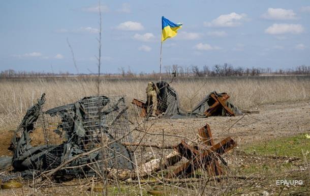 Доба на Донбасі: загинув військовий, двоє поранені