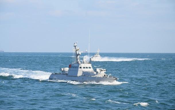 Началась переброска бронекатеров в Азовское море