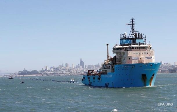 США запустили систему для збору пластику в океані