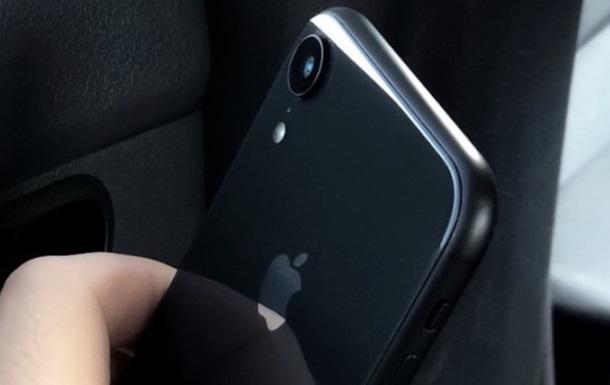 У мережі з явилося  живе  фото iPhone 9