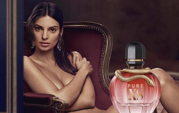 Ратаковські роздяглася для реклами парфумів