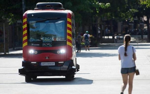 У Каталонії запустили безпілотні автобуси