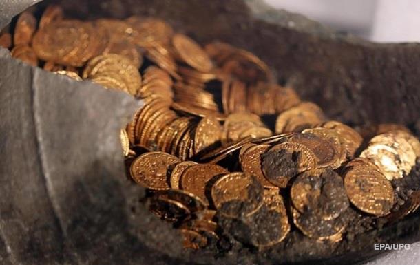 В Італії знайшли сотні золотих монет