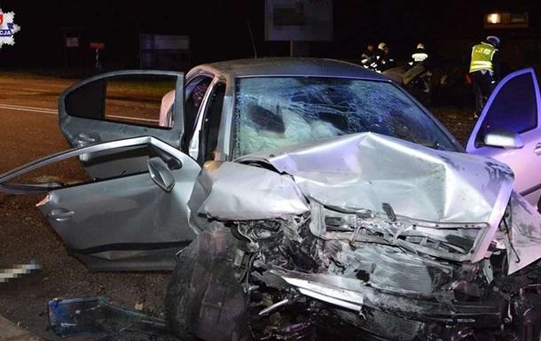 Два автомобілі з українцями зіткнулися в Польщі: є жертви