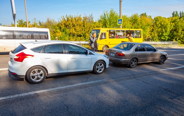 Бензовоз без тормозов спровоцировал в Днепре два ДТП