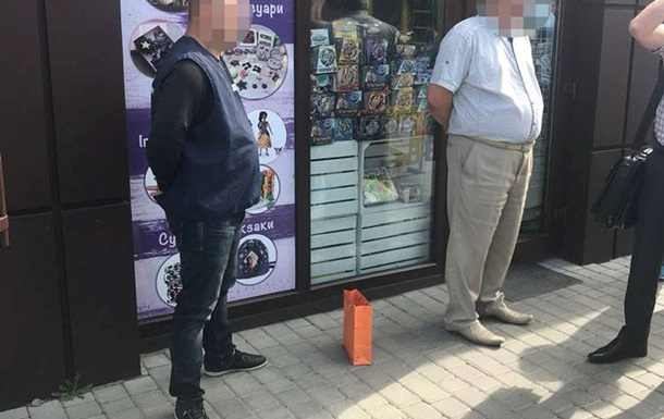 Главу Волынского облавтодора поймали на крупной взятке