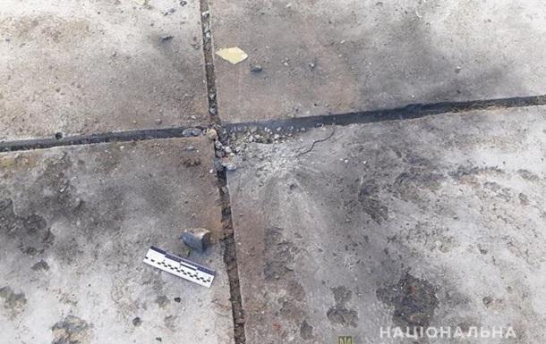 У двір пенсіонерки на Закарпатті кинули вибуховий пристрій