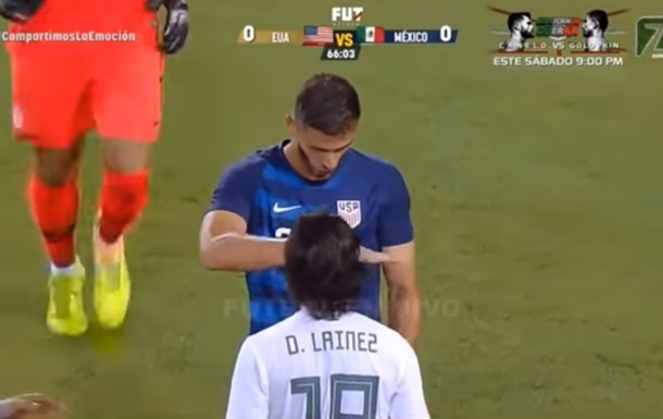 Высмеявший низкорослого соперника футболист вызвал потасовку