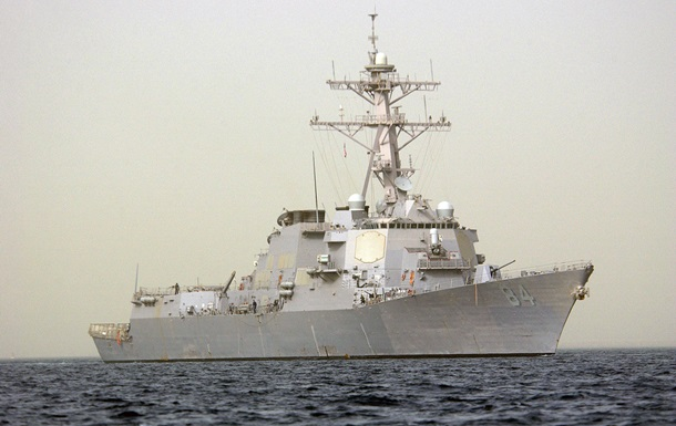 Ракетный эсминец США вошел в Средиземное море