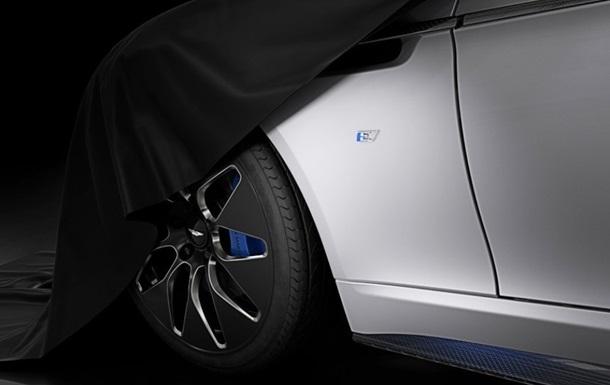 Aston Martin показав електричний ліфтбек Rapide E