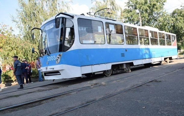 У Миколаєві трамвай на смерть збив пенсіонерку