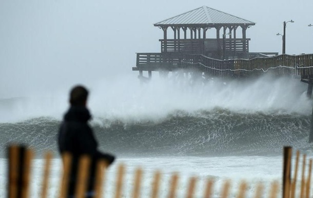 Ураган  Флоренс  досяг узбережжя Північної Кароліни