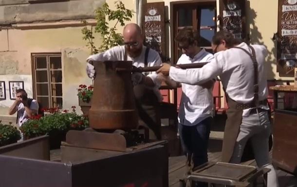 У Львові в одній турці зварили 20 літрів кави