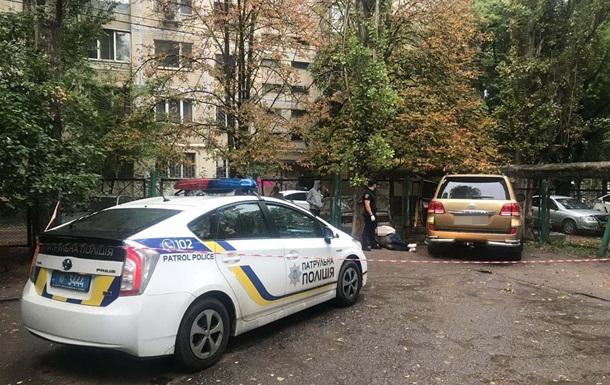Одесит викрав своє авто зі штрафмайданчика, побивши охоронця ключкою