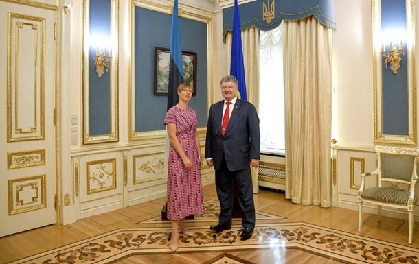 Порошенко и Кальюлайд обсудили торговые отношения