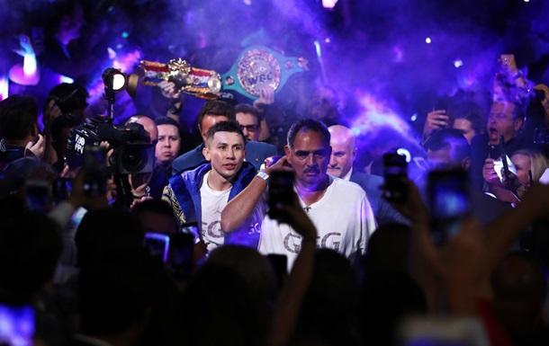 Головкин после поражения от Альвареса психанул и, не дожидаясь комментариев, покинул ринг