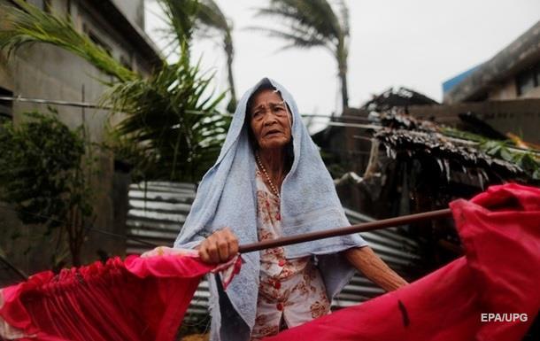 Тайфун на Філіппінах: понад 60 загиблих