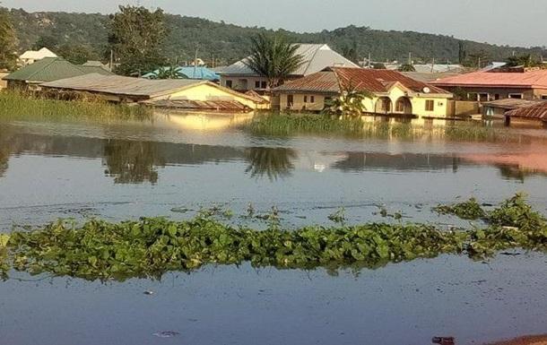 У Нігерії в результаті повеней загинули понад 100 осіб
