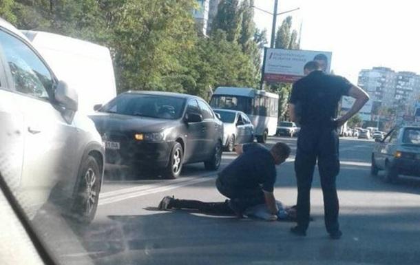 У Миколаєві жінка збила двох пішоходів на переході