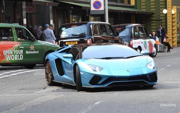 Водитель Lamborghini врезался в Bentley и G-Wagen