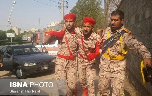 В Иране расстреляли военный парад, есть жертвы