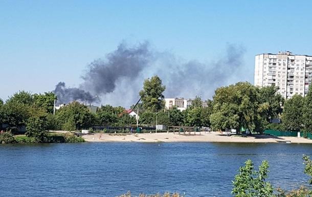В Киеве горят Русановские сады и мусорная свалка