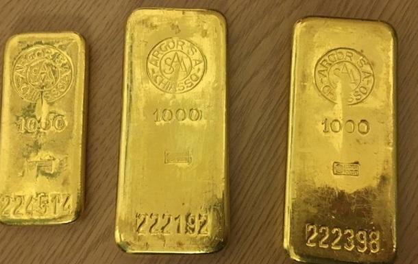 Немец нашел в купленном шкафу 2,5 килограмма золота