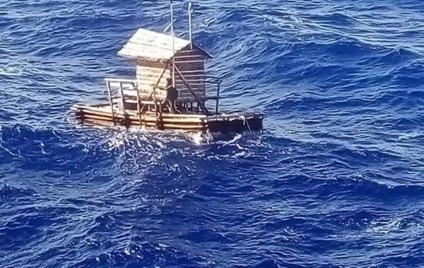 Индонезиец дрейфовал в море 49 дней и остался в живых