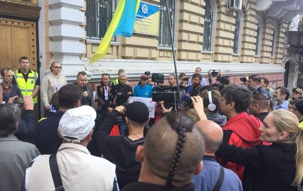 В Одессе второй день пикетируют управление полиции