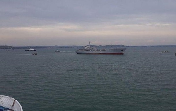 Что стоит за переходом судов в Азовское море
